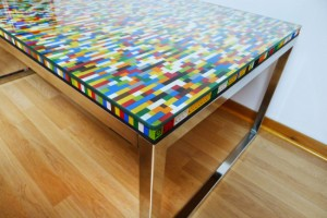 Lego-Table-Aurelien-Metral-3-550x367